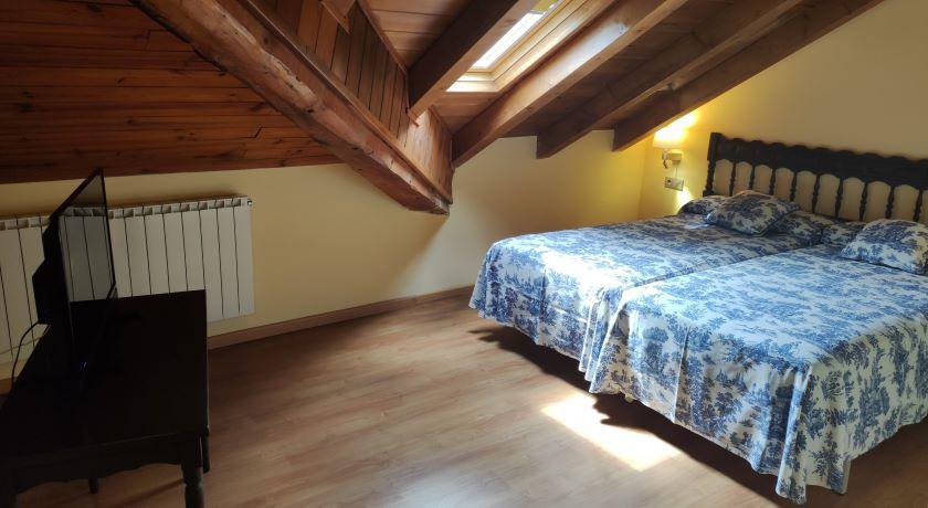 Habitació Doble Adaptada Hotel Saurat