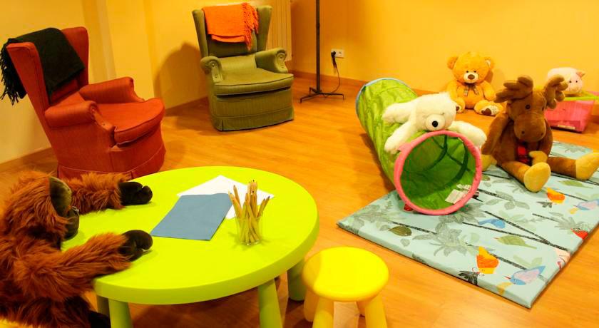 Sala de juegos para niños Hotel Saurat